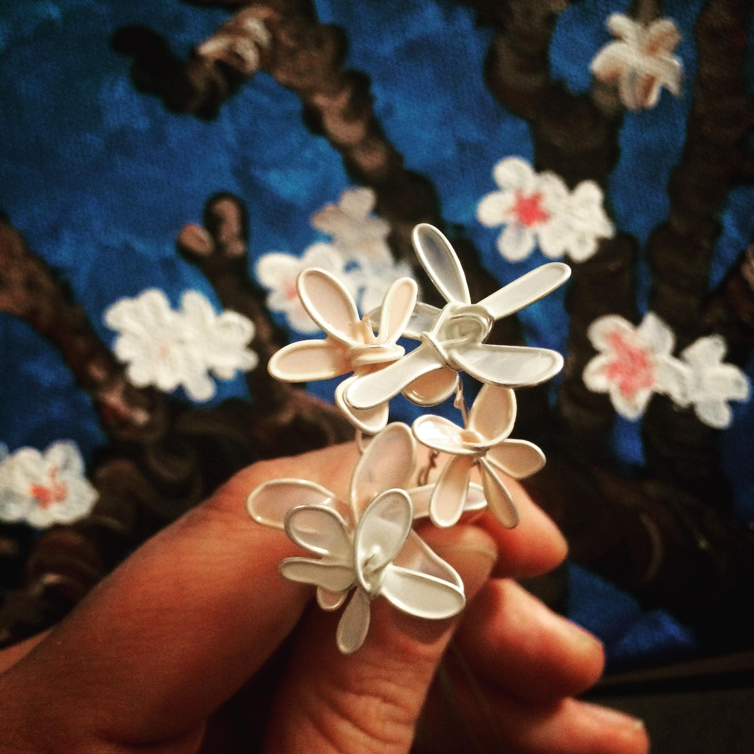 Making nailpolish flowers